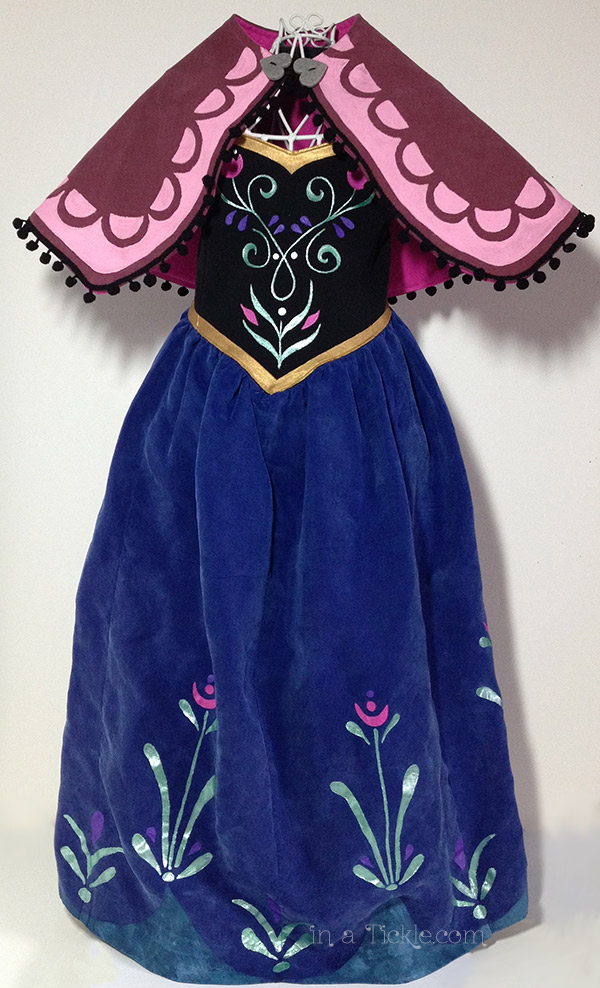 Dressup Anna Apron with Cloak