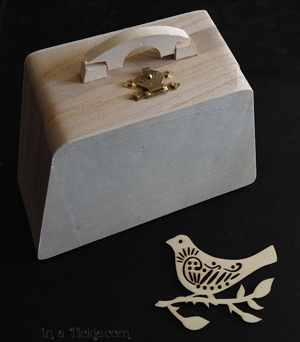 Wooden-Purse-and-bird