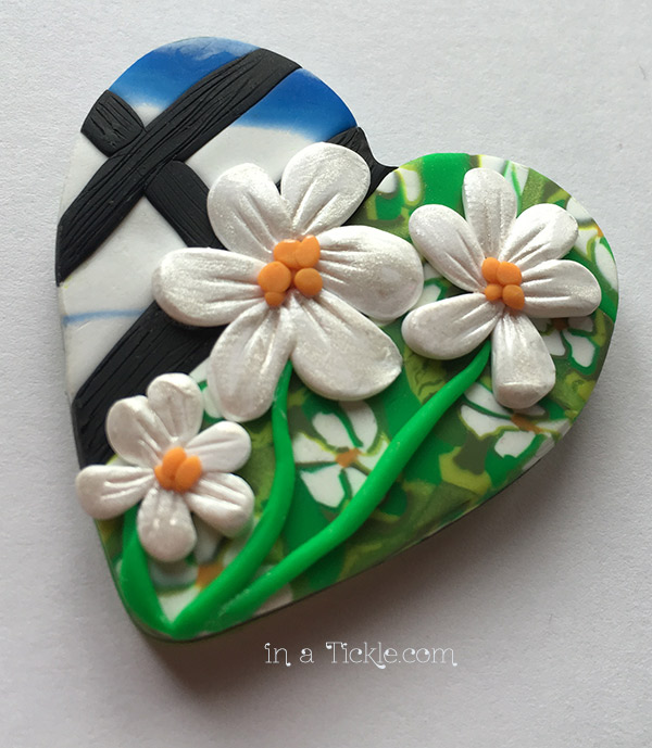 Clay Heart-Daisy-Pendant