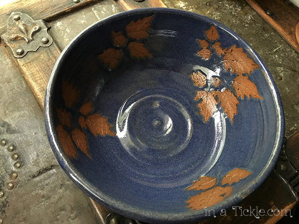 Blue-Pottery-Bowl-with-peppervine-leaves
